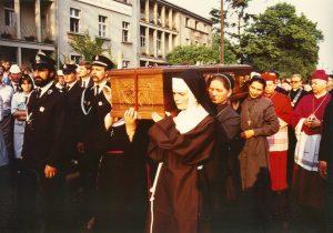 Pniewy, 29 maja 1989 procesja do kaplicy